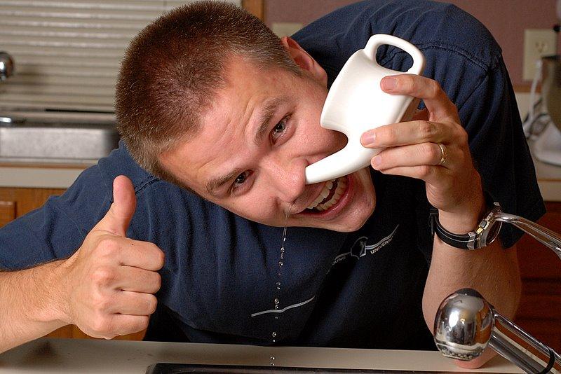 Эффективным средством от вазомоторного ринита является промывание носовых проходов раствором соли или свекольным соком