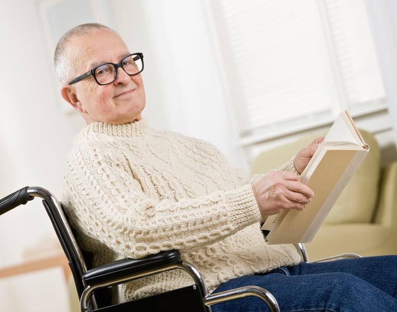 В домашних условиях и стены помогают восстановиться после инсульта