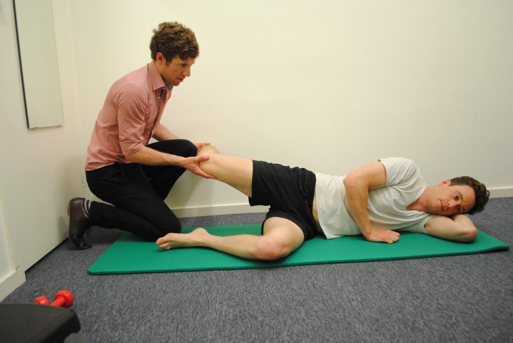 Физиопроцедуры для лечения растяжения связок коленного сустава