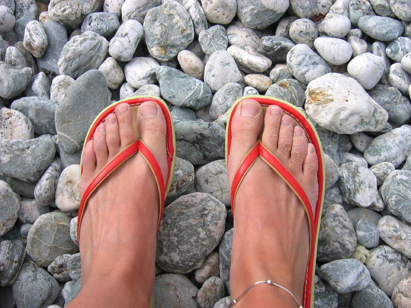 Первые признаки ногтевого грибка на ногах