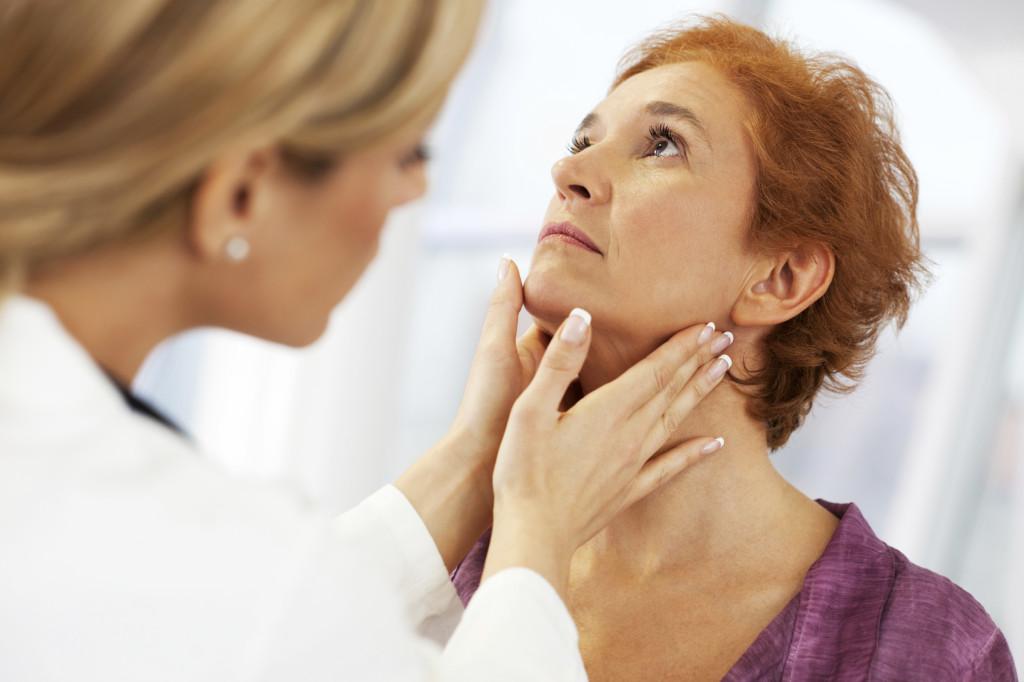 Основные симптомы кисты щитовидной железы