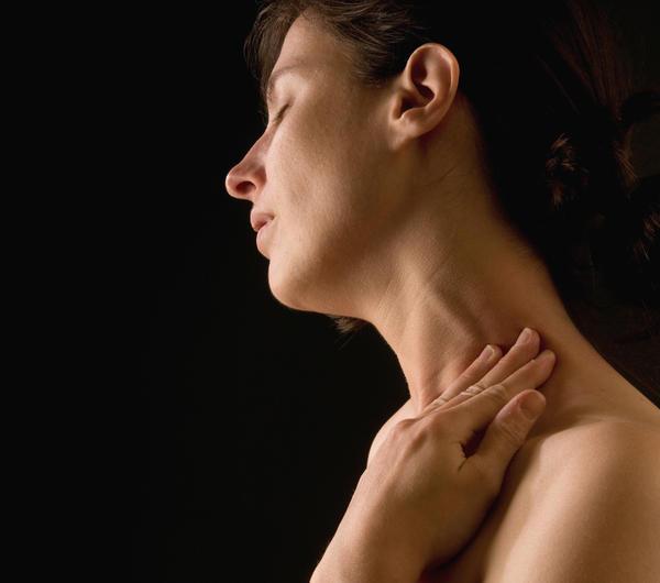 Симптомами воспаленного лимфоузла на шее являются