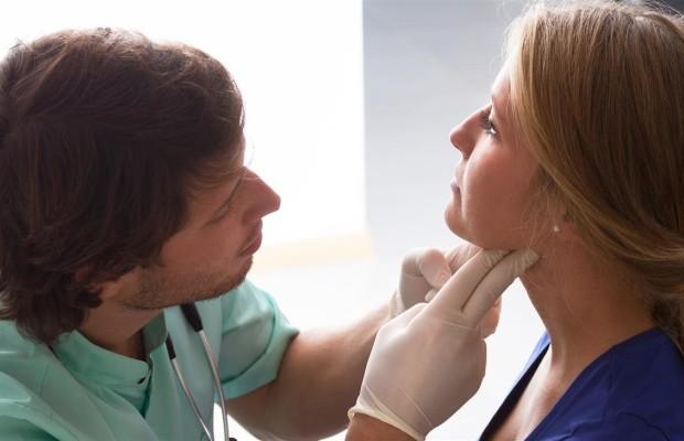 Щитовидная железа: симптомы заболевания у женщин, лечение