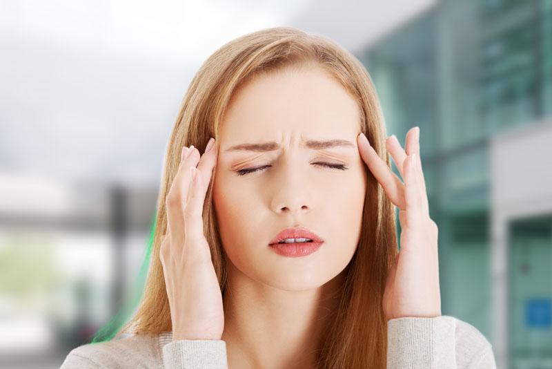 Симптомы мигрени у женщин: лечение